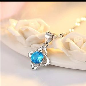 925 Sterling Siler Blue Stone Fashion Necklace